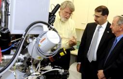 زيارة السفير الأميركي «دانيال شابيرو» لجامعة بار إيلان في إسرائيل