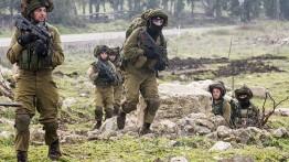 """الاحتلال يتدرب على احتلال غزة ويكشف عن """"مظلة النار"""""""