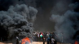 """إسرائيليون يرسمون """"مشهد عبور الفلسطينيين نحو الحدود الزائلة"""""""